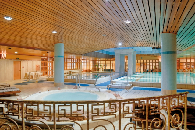 Schwimmbad im Aquincum Hotel Budapest, Budapest