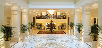 Eingangsbereich Corinthia Hotel Budapest, in Ungarn
