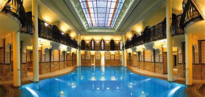 Thermalbad im Corinthia Hotel Budapest, in Ungarn