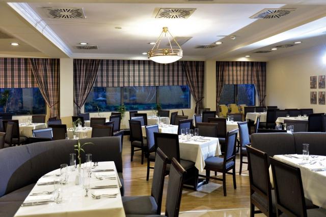Restaurantbereich Leonardo Hotels Budapest, Ungarn