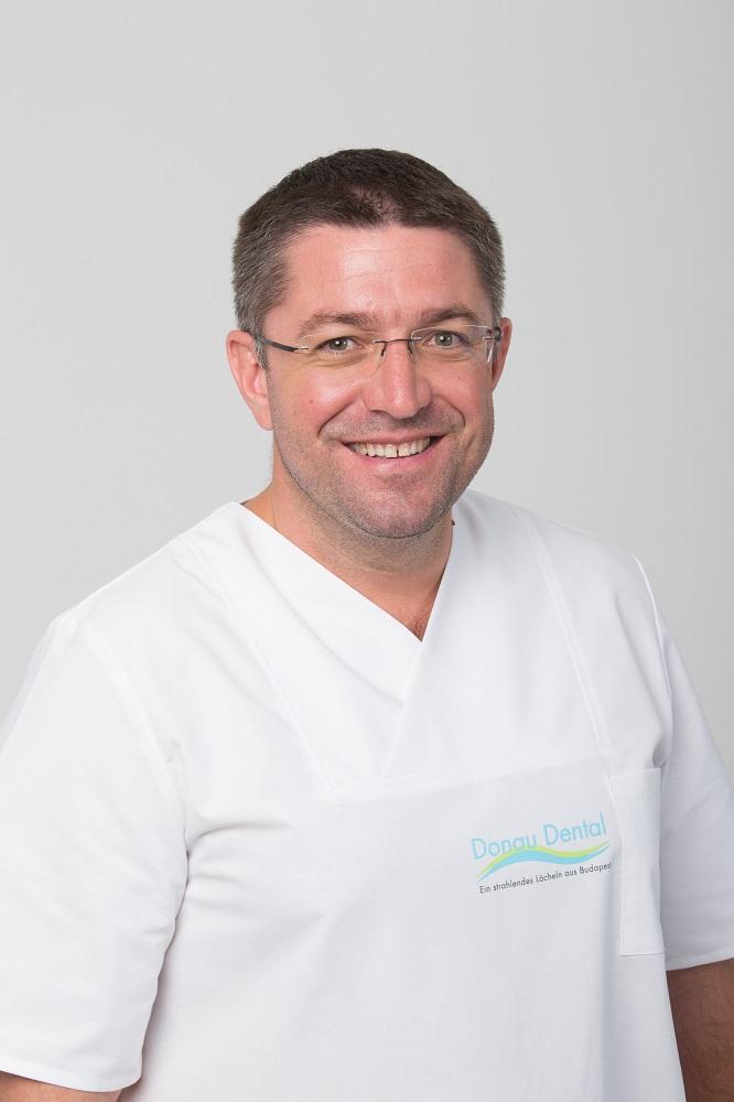 Dr. Péter